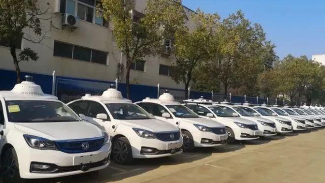 """东风自动驾驶出租车武汉成功""""上路""""利用5G和北斗"""