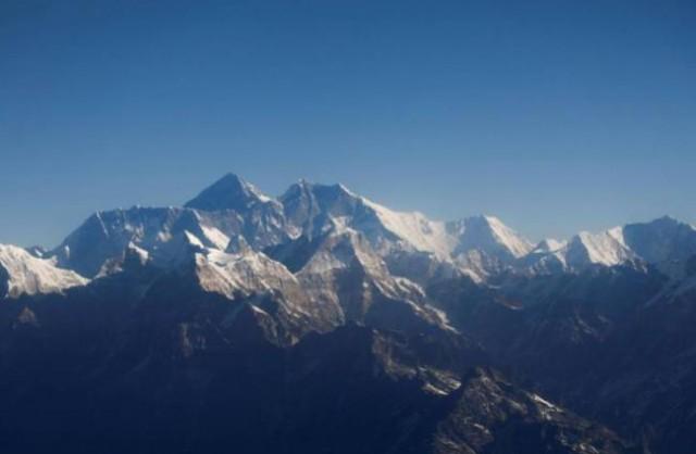 海拔8848米隔离线 中国将在圣母峰划界